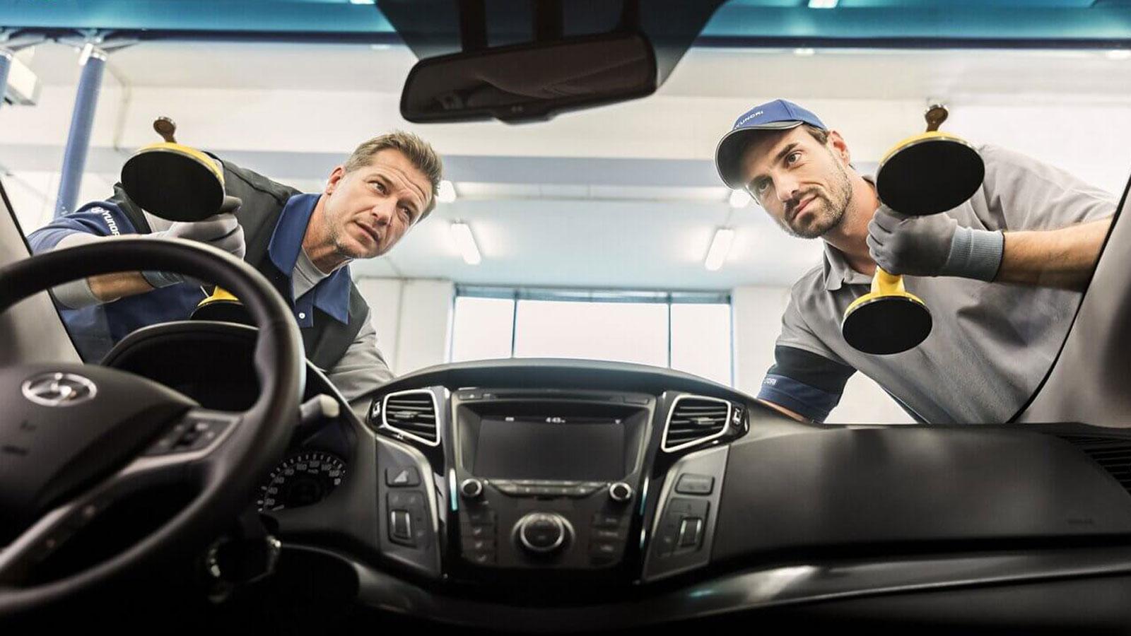 Τα παρμπρίζ της Hyundai σχεδιάζονται και ελέγχονται με πολύ υψηλές προδιαγραφές. Κορυφαία ποιότητα υλικών, αεροδυναμικός σχεδιασμός και ακρίβεια στην τοποθέτηση από τους experts του Δικτύου Εξουσιοδοτημένων Συνεργείων Hyundai