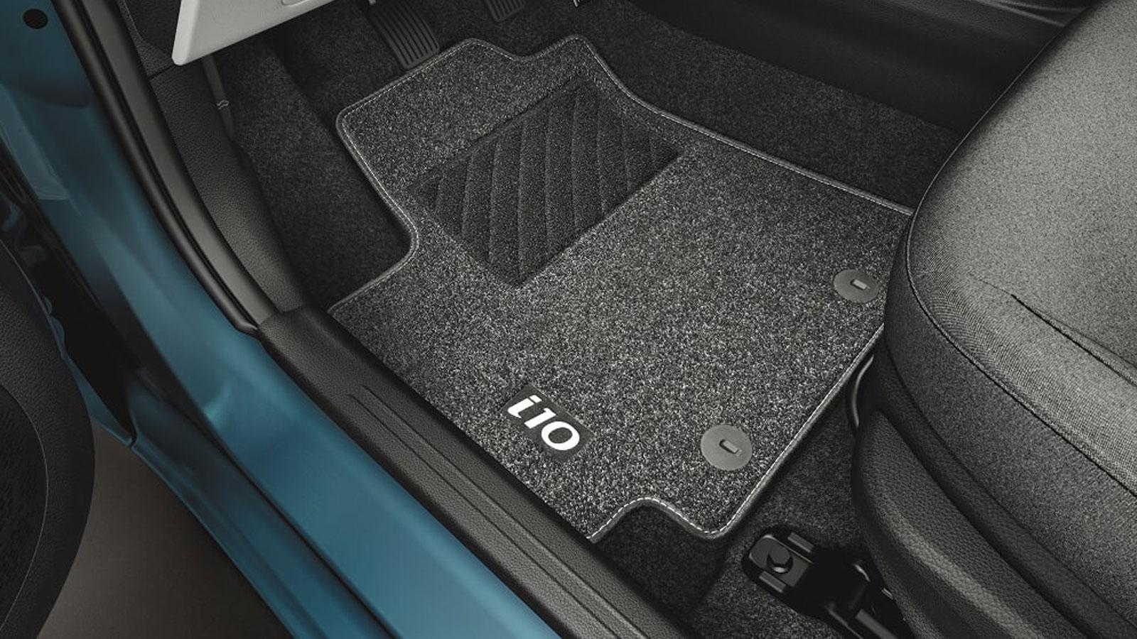 Τα στάνταρ πατάκια της Hyundai κατασκευάζονται από νήμα πολυπροπυλενίου (PP needle felt) και έχουν τσόχινη υφή.