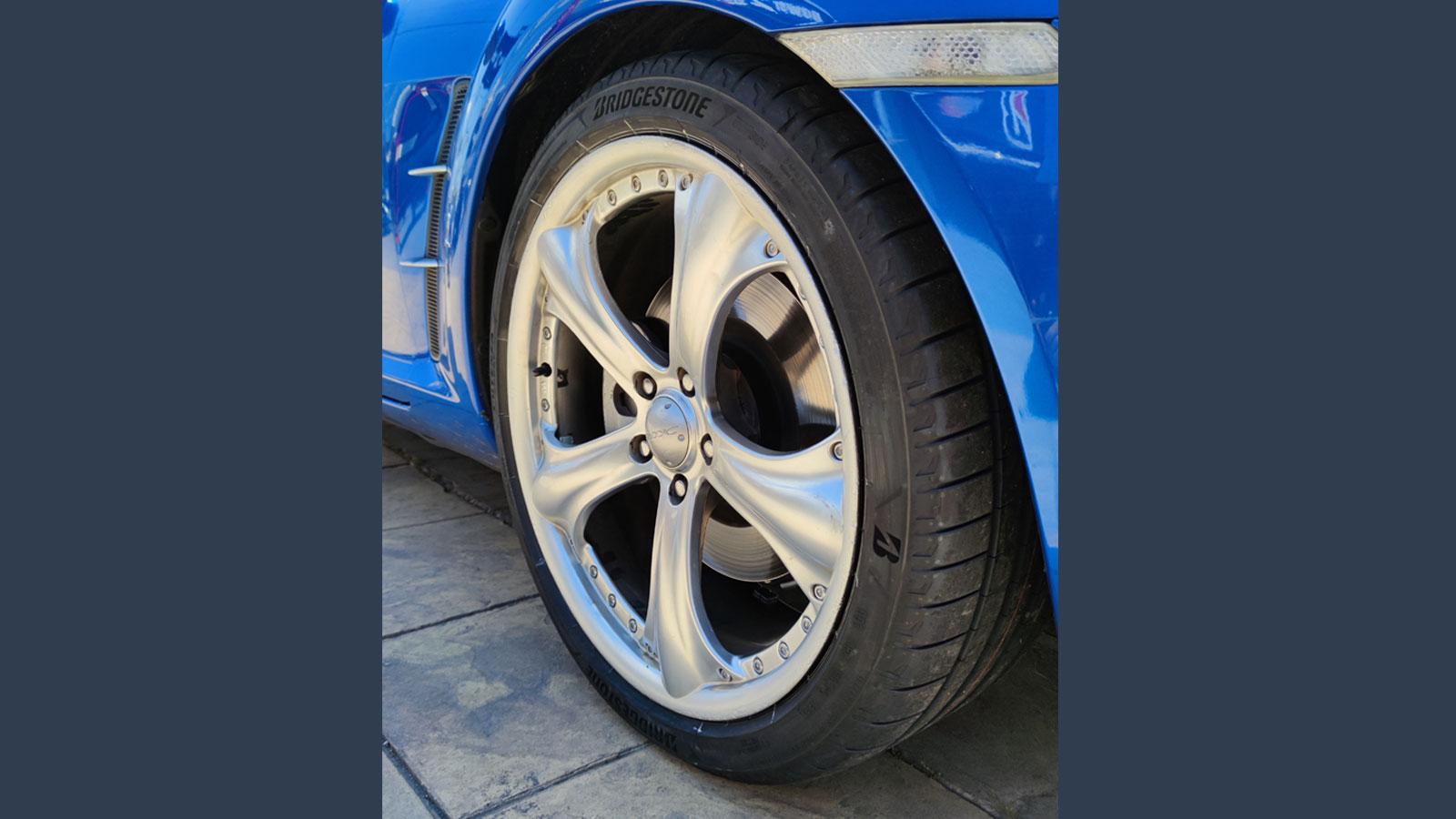 Με κορυφαίες επιδόσεις σε δοκιμασίες σε στεγνό και σε βρεγμένο οδόστρωμα, το νέο ελαστικό υψηλών επιδόσεων της Bridgestone κατέκτησε την κορυφή σε διεθνές test σπορ ελαστικών.