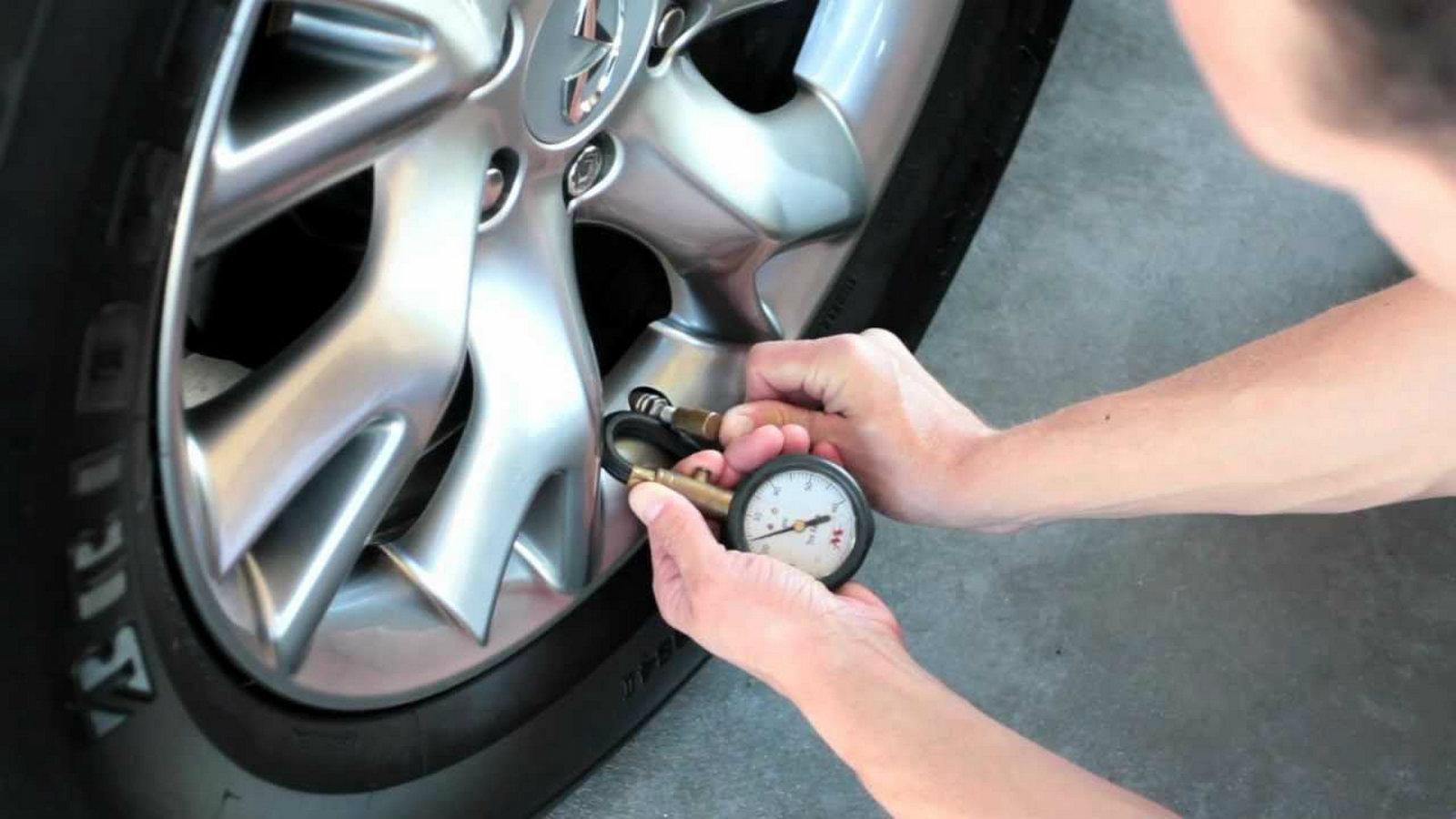Ο έλεγχος πίεσης των ελαστικών βοηθά τους οδηγούς να διατηρούν σωστά τα ελαστικά των οχημάτων τους, βελτιώνει την ασφάλεια τους και την αποδοτικότητα των καυσίμων