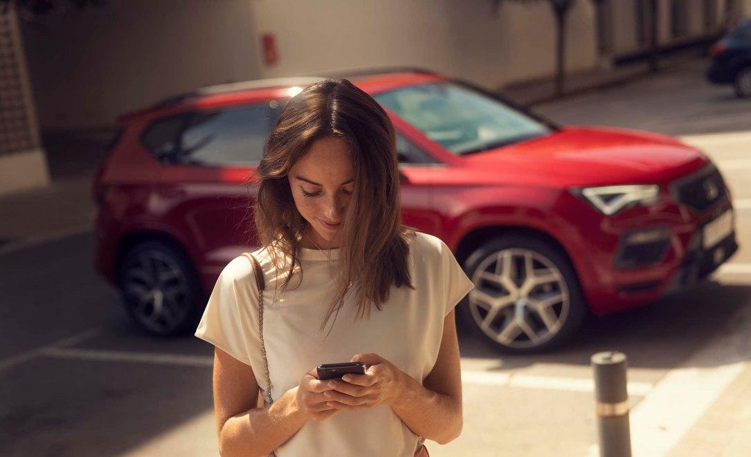 Οι προηγμένες υπηρεσίες «SEAT CONNECT», σας συνδέουν με το αυτοκίνητο σας δημιουργώντας μια απομακρυσμένη και διαδραστική σχέση