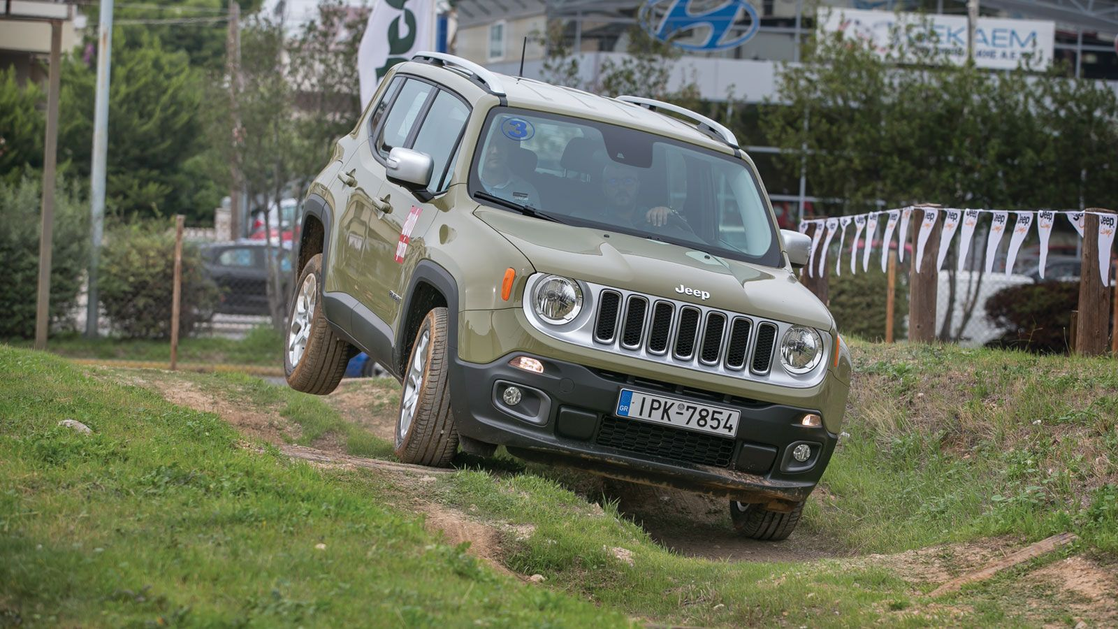 test jeep renegade 1 4 multiair2 jeep renegade. Black Bedroom Furniture Sets. Home Design Ideas