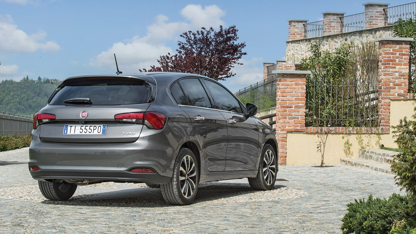 fiat tipo hatchback fiat fiat tipo hatchback. Black Bedroom Furniture Sets. Home Design Ideas