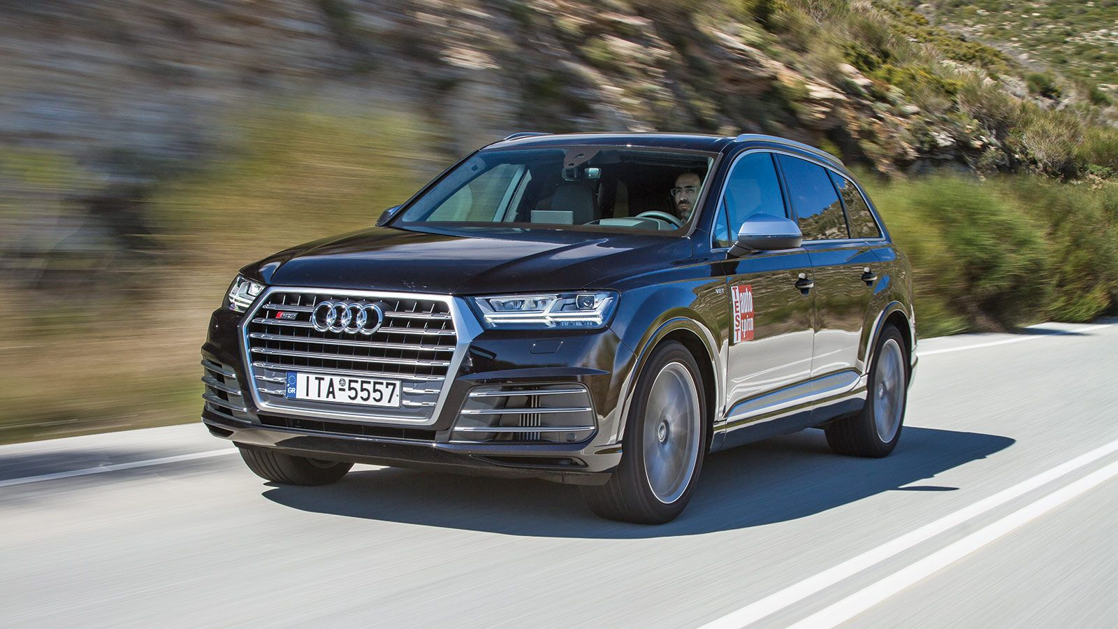 land rover urban with 5 Texnologies Poy Prepei Na Ksereis Gia To Audi Sq7 147255 on Velar likewise 12 in addition Fat Bike Electrique Noir additionally Nzv9kx8 additionally Sac A Dos Hoverboard 65.