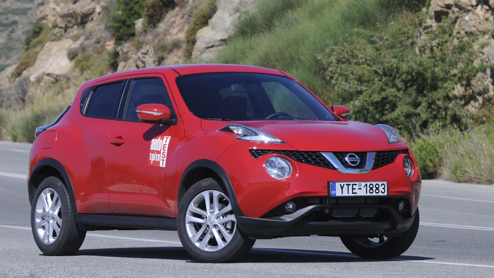 Juke vs captur for Nissan juke cabrio