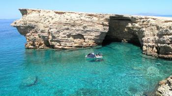Πήγαινε στον επίγειο παράδεισο, στα Κουφονήσια. «Αρπαξε» την φυσική ομορφιά του νησιών και κάνε τις διακοπές σου αξέχαστες. Οι μικρές παραδεισένιες Κυκλάδες