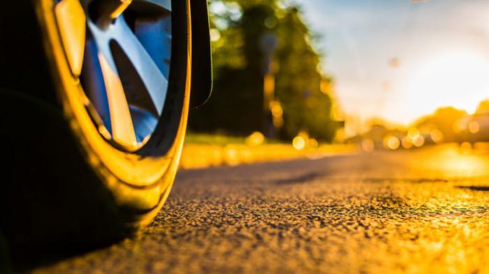 Ο μεγαλύτερος εχθρός των ελαστικών είναι οι υψηλές θερμοκρασίες περιβάλλοντος και δρόμου.