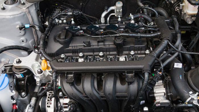 Πολιτισμένος είναι ο 1,2 λτ. ατμοσφαιρικός κινητήρας του Hyundai i20, ο οποίος ικανοποιεί απόλυτα δεδομένου του αστικού του χαρακτήρα.