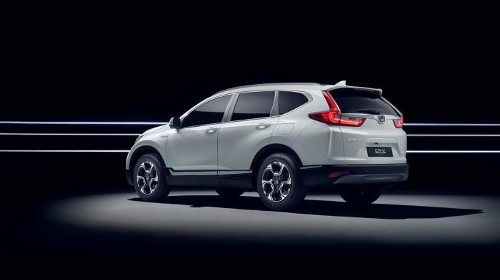 Το υβριδικό σύνολο τους Honda CR-V αποτελείται από ένα 2-λιτρο μοτέρ βενζίνης που συνδυάζεται με έναν ηλεκτροκινητήρα.