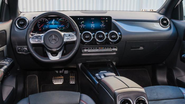 Εντυπωσιακό σε εικόνα, ποιότητα και φινίρισμα το εντελώς ψηφιακό κόκπιτ της  Mercedes GLA 250 e.