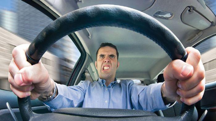 Όχι νεύρα στο τιμόνι