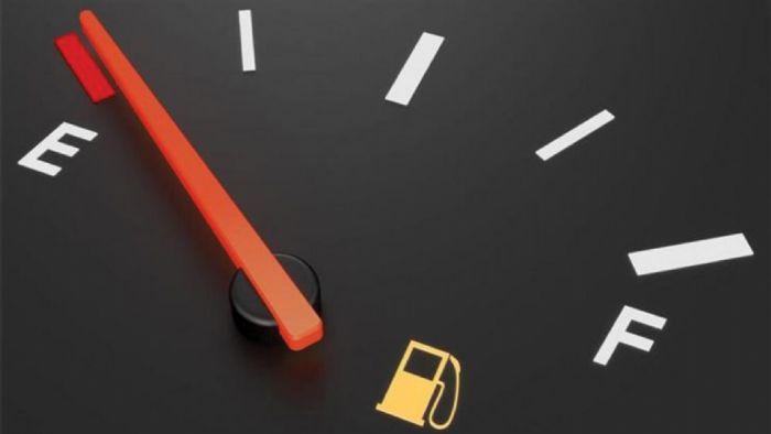 Σε περίπτωση που έχετε εξαντλήσει τα αποθέματα καυσίμου στο ρεζερβουάρ, η αντλία θα τραβήξει τα πιο βαριά «σκουπίδια» που έχουν κάτσει στον πυθμένα και πιθανότατα θα περάσουν στην μηχανή.