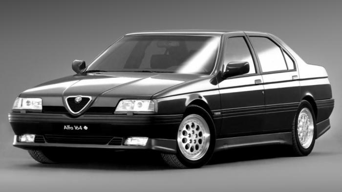 Η Alfa Romeo 164 μετά από δέκα χρόνια πορείας (1988-1998) αντικαταστάθηκε από την 166, που πήρε την σκυτάλη.