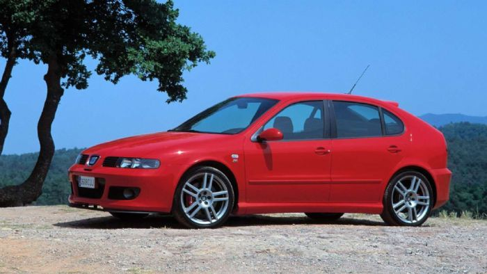 Η SEAT τοποθέτησε τον υπερτροφοδοτούμενο 20V στις κορυφαίες εκδόσεις των Ibiza και Leon, με το τελευταίο να αποδίδει 180 ίππους ως Cupra και 210/225 ίππους ως Cupra R.