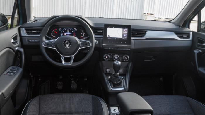 Εκτεταμένη χρήση μαλακού πλαστικού, προσεγμένο φινίρισμα, σωστή εργονομία και high-tech αέρας χαρακτηρίζουν την καμπίνα του Renault Captur.