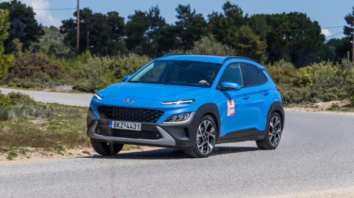 Το Hyundai Kona διαθέτει εκκεντρική εμφάνιση και ανάλαφρο στυλ με έντονο δυναμισμό κυρίως μέσω του μπροστινού μέρους.