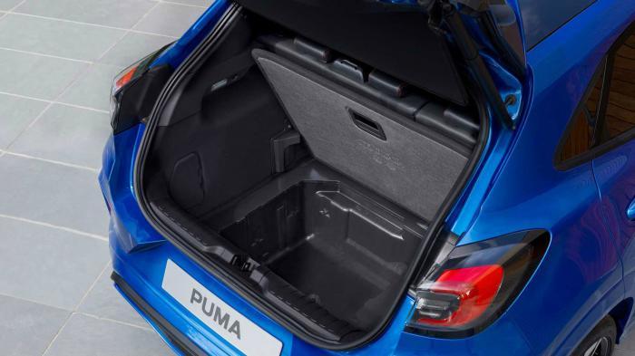 Το Ford Puma είναι το μικρό SUV με τον μεγαλύτερο χώρο αποσκευών, επωφελούμενο του Ford MegaBox, ενός «κρυφού» χώρου κάτω από το πάτωμα που μπορεί κιόλας να πλυθεί, καθώς έχει τάπα αποστράγγισης.