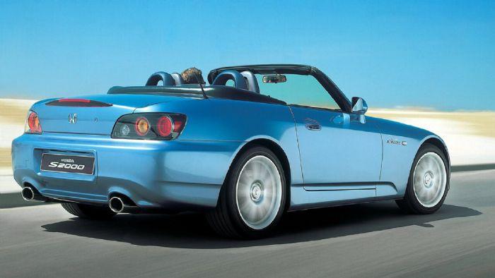 120 ίπποι στο λίτρο, όταν το ισχυρότερο Audi R8 του σήμερα έχει ειδική ισχύ 117 ίππους/λτ..