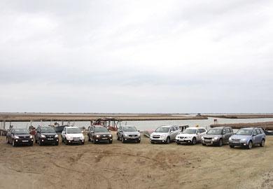 Στις ακριτικές περιοχές του Νομού Έβρου περιηγήθηκε το Auto Τρίτη υπό την συνοδεία 9 SUV - Crossover  αυτοκινήτων διανύοντας κοντά στα 2.100 χλμ. στο τετραήμερο αυτό οδοιπορικό, όπου μείναμε πάνω απ´ όλα εντυπωσιασμένοι με τα φυσικά κάλλη και την άγρια ομορφιά που προσφέρονται απλόχερα.