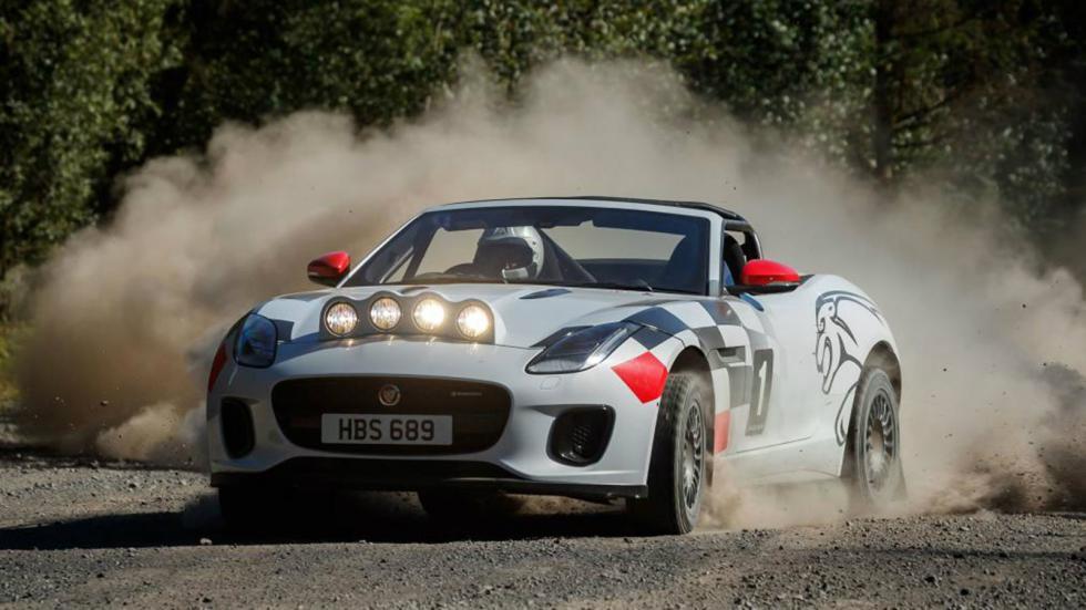 Αγωνιστικές F-Type τιμούν την Jaguar
