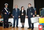 Από αριστερά: ο Αρχιφύλακας κ. Β. Σουλιώτης του Τμ. Τροχαίας Αγρινίου, ο Υπουργός Υποδομών, Μεταφορών και Δικτύων κ. Δ. Ρέππας, η Πρόεδρος Δ.Σ. Ι.Ο.ΑΣ. «Πάνος Μυλωνάς» κα Β. Δανέλλη-Μυλωνά, ο Διοικητής Τροχαίας Αγρινίου κ. Ν. Τσόλχας