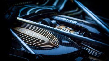 Ο V12 της Huayra Roadster