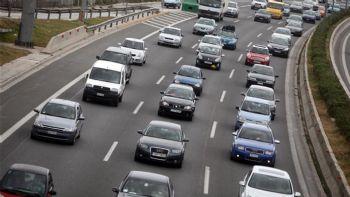 Πόσα αυτοκίνητα κυκλοφορούν στην Ελλάδα;