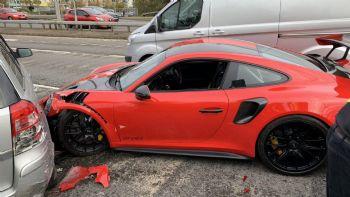 Τest drive καταστροφή με Porsche 911 GT2 RS!