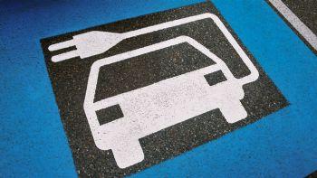 Ηλεκτρικά: Πότε θα πέσουν οι τιμές & θα αυξηθεί η αυτονομία;