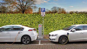 Κόστος φόρτισης: Πόσα ευρώ «καίει» ένα ηλεκτρικό;