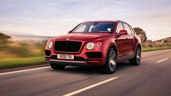 Νέα Bentley Bentayga V8