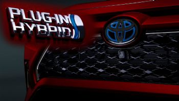 Toyota: Περισσότερα ηλεκτρικά & plug-in υβριδικά στην Ευρώπη