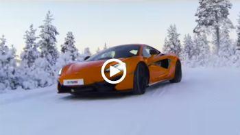 McLaren χορεύει στον πάγο