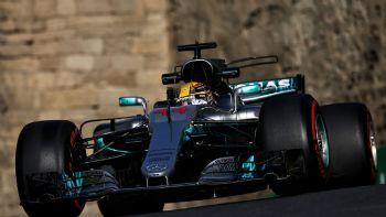 Ο Hamilton την pole στο Μπακού