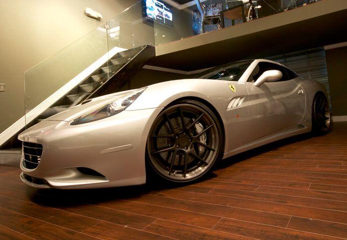 http://www.autotriti.gr/jpg/autotriti/390/NEWS/DMC-Ferrari.jpg