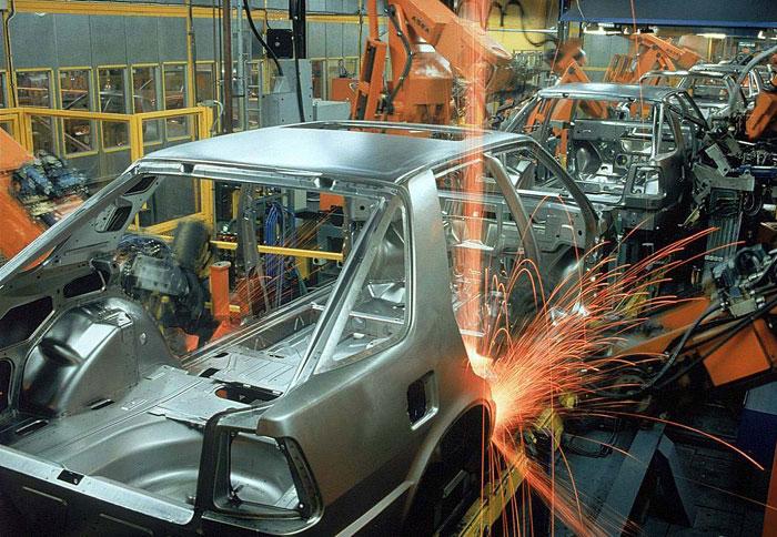 Θέμα: εργοστάσιο αυτοκινήτων στην